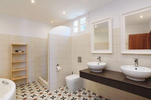 thea-1-bathroom-3-medium354108E0-97D2-DC5A-B171-547DFD3F730E.jpg